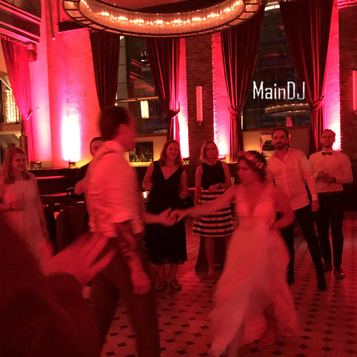 wedding dancing groom and bride frankfurt maindj